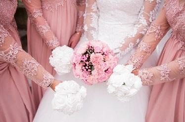 Bruidsmeisjes en Jonkers bloemen